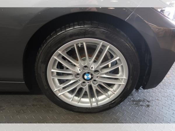 Foto - BMW 218 i Steptronic M Sport